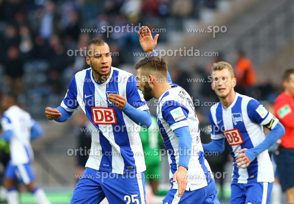 28.02.2015, Olympiastadion, Berlin, GER, 1. FBL, Hertha BSC vs FC Augsburg, 23. Runde, im Bild Diskussion zwischen John Anthony Brooks (#25, Hertha BSC Berlin) und Marvin Plattenhardt (#21, Hertha BSC Berlin) // SPO during the German Bundesliga 23rd round match between Hertha BSC and Hertha BSC vs FC Augsburg at the Olympiastadion in Berlin, Germany on 2015/02/28. EXPA Pictures &copy; 2015, PhotoCredit: EXPA/ Eibner-Pressefoto/ Hundt<br /> <br /> *****ATTENTION - OUT of GER*****