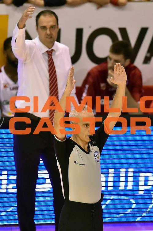 DESCRIZIONE : Pistoia Lega A 2014-2015 Giorgio Tesi Group Pistoia Granarolo Bologna<br /> GIOCATORE : Roberto Chiari Arbitro<br /> CATEGORIA : arbitro composizione<br /> SQUADRA : Giorgio Tesi Group Pistoia arbitro<br /> EVENTO : Campionato Lega A 2014-2015<br /> GARA : Giorgio Tesi Group Pistoia Granarolo Bologna<br /> DATA : 09/11/2014<br /> SPORT : Pallacanestro<br /> AUTORE : Agenzia Ciamillo-Castoria/GiulioCiamillo<br /> GALLERIA : Lega Basket A 2014-2015<br /> FOTONOTIZIA : Pistoia Lega A 2014-2015 Giorgio Tesi Group Pistoia Granarolo Bologna<br /> PREDEFINITA :