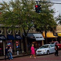WINTER PARK, FL -- People walk along Park Ave. in Winter Park, Fla., on Friday, January 27, 2012. As the Florida Primary approaches, the voters along the I-4 corridor are becoming an increasingly more important path to securing a win.  (Chip Litherland for The New York Times)