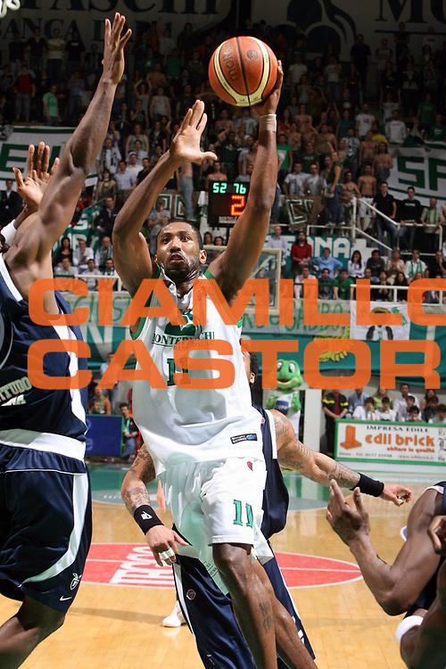 DESCRIZIONE : Siena Lega A1 2007-08 Playoff Quarti di finale Gara 1 Montepaschi Siena Upim Fortitudo Bologna <br /> GIOCATORE : Marvis Bootsy Thornton<br /> SQUADRA : Montepaschi Siena<br /> EVENTO : Campionato Lega A1 2007-2008 <br /> GARA : Montepaschi Siena Upim Fortitudo Bologna<br /> DATA : 10/05/2008 <br /> CATEGORIA : tiro<br /> SPORT : Pallacanestro <br /> AUTORE : Agenzia Ciamillo-Castoria/E.Castoria<br /> Galleria : Lega Basket A1 2007-2008 <br /> Fotonotizia : Siena Campionato Italiano Lega A1 2007-2008 Playoff Quarti dI finale Gara 1 Montepaschi Siena Upim Fortitudo Bologna<br /> Predefinita :