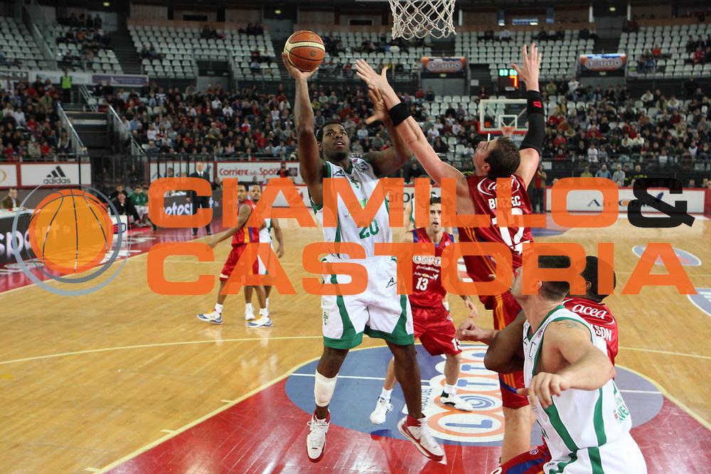 DESCRIZIONE : Roma Lega A1 2008-09 Lottomatica Virtus Roma Air Avellino<br /> GIOCATORE : Williams Eric<br /> SQUADRA : Air Avellino<br /> EVENTO : Campionato Lega A1 2008-2009<br /> GARA : Lottomatica Virtus Roma Air Avellino<br /> DATA : 11/01/2009<br /> CATEGORIA : tiro<br /> SPORT : Pallacanestro <br /> AUTORE : Agenzia Ciamillo-Castoria/G.Ciamillo