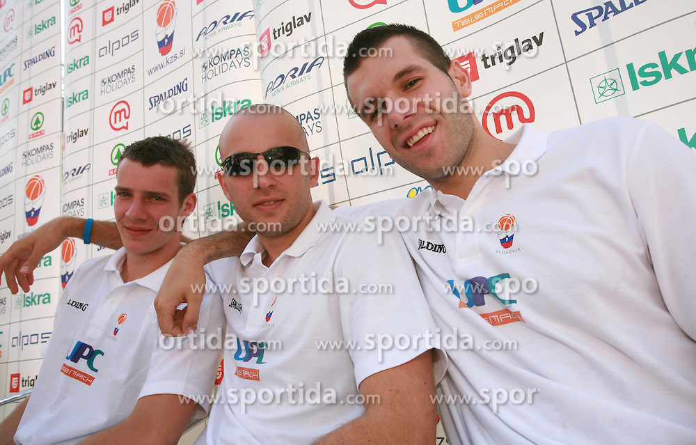 Goran Dragic, Nebojsa Joksimovic and Sani Becirovic at press conference and after time with fans of Slovenian basketball National Team before departure to Athens for Olympic qualifications, on July 12, 2008, at Presernov trg, in Ljubljana, Slovenia. (Photo by Vid Ponikvar / Sportal Images)