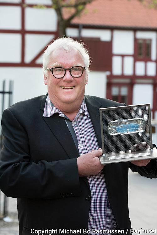 Aalborg Haandværkerforenings sildepris til Henning Barmer Jensen. Foto: © Michael Bo Rasmussen / Baghuset. Dato: 10.05.16
