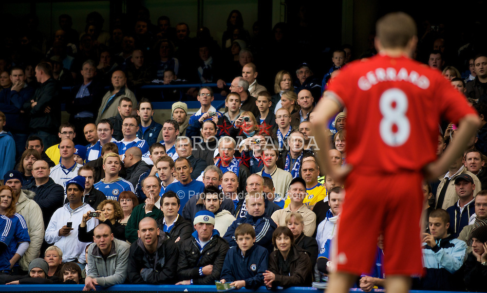 LONDON, ENGLAND - Sunday, October 26, 2008: Chelsea's supporters are left speechless by Liverpool's captain Steven Gerrard MBE during the Premiership match at Stamford Bridge. (Photo by David Rawcliffe/Propaganda)