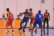 DESCRIZIONE : Borgosesia Torneo di Varallo Lega A 2011-12 EA7 Emporio Armani Milano Novipiu Casale Monferrato<br /> GIOCATORE : Michael Dunigan<br /> CATEGORIA :  Palleggio<br /> SQUADRA : Novipiu Casale Monferrato<br /> EVENTO : Campionato Lega A 2011-2012<br /> GARA : EA7 Emporio Armani Milano Novipiu Casale Monferrato<br /> DATA : 10/09/2011<br /> SPORT : Pallacanestro<br /> AUTORE : Agenzia Ciamillo-Castoria/A.Dealberto<br /> Galleria : Lega Basket A 2011-2012<br /> Fotonotizia : Borgosesia Torneo di Varallo Lega A 2011-12 EA7 Emporio Armani Milano Novipiu Casale Monferrato<br /> Predefinita :
