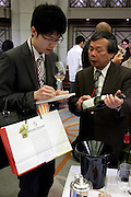 (En) Tokyo, Japan, May 2010 - Burgundy wine tasting in Tokyo's Okura Hotel.<br /> (Fr) Tokyo, Japon, 21 mai 2010 - Degustation de vins de Bourgogne par des professionnels japonais à l'hotel Okura.