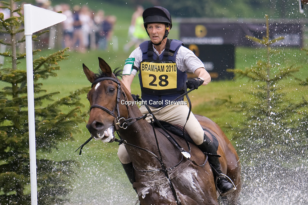 Ewart Woolley and Keep Your Options Open at Bramham Horse Trials 2010 CCI***