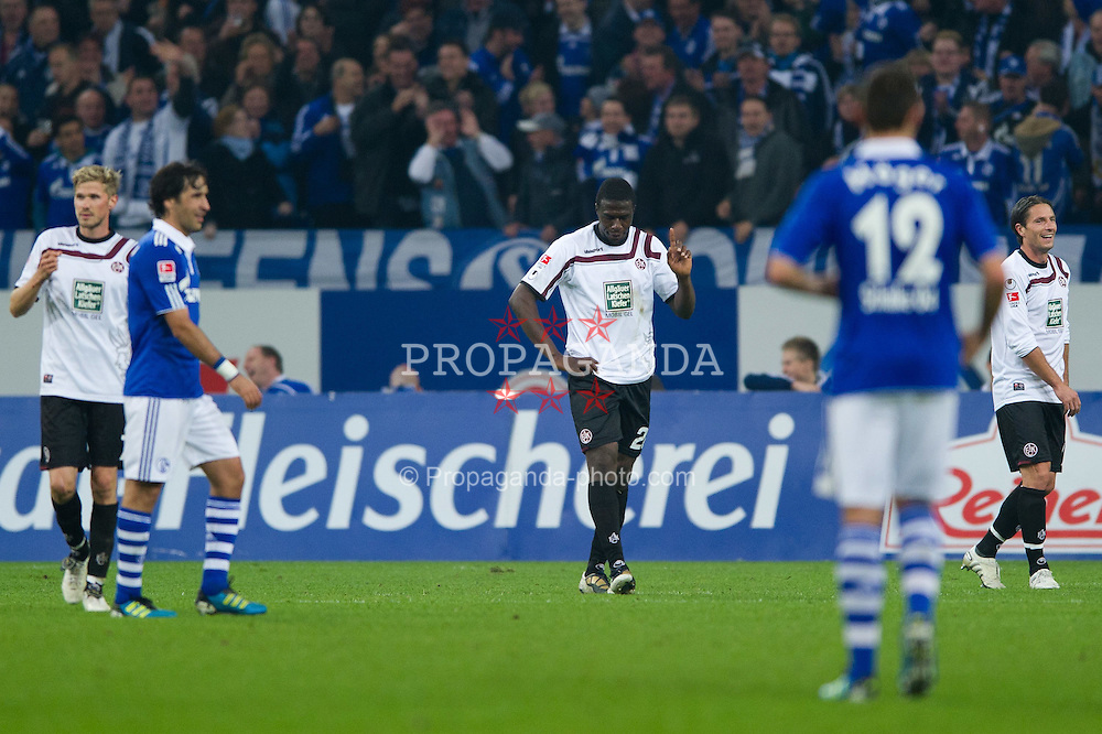 15.10.2011, Veltins Arena, Gelsenkirchen, GER, 1. FBL, FC Schalke 04 vs. 1. FC Kaiserslautern, im Bild Rodnei (#20 Kaiserslautern) stoppt Jurado (#18 Schalke) und sieht danach die Rote Karte // during FC Schalke 04 vs. 1. FC Kaiserslautern at Veltins Arena, Gelsenkirchen, GER, 2011-10-15. EXPA Pictures © 2011, PhotoCredit: EXPA/ nph/  Kurth       ****** out of GER / CRO  / BEL ******