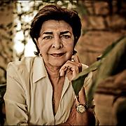 PORTRAITS OF SURVIVORS AND IMMIGRANTS <br /> Sobreviviente del Holocausto / Holocaust Survivor.<br /> <br /> Sra. Sally Horowitz de Morgenstern.<br /> <br /> Nació en 31 de mayo de 1940 en Kitzman, Rumania. Tenía apenas un año cuando la familia fue llevada a varios campos de concentración: Mogilev, Martinovca, Djurin y Stepanovca. Pasó numerosas penurias y enfermedades que no cesaron después de la liberación. En 1945 volvió a su lugar natal y al reencontrarse con el padre, tras cuatro años de separación, debieron emprender una huida que finalmente los llevó a Francia y luego a Venezuela en 1947. Aquí, tras una difícil adaptación, consiguió sosiego y forjar una familia junta a Freddy Morgenstern.<br /> <br /> Photography by Aaron Sosa<br /> Caracas - Venezuela 2010<br /> (Copyright © Aaron Sosa)