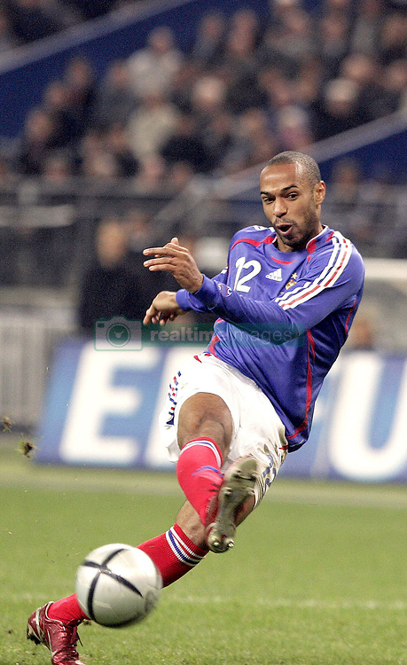 Thierry Henry of France pictured during a friendly match France (0) against Germany (0) held at Stade de France in Saint-denis in France, on November 12, 2005.Photo by Laurent Zabulon/ABACAPRESS.COM  Equipe de France de Football French Soccer Team Equipe d'Allemagne (sports) German Team Henry Thierry Activite sportive Sport Activity Football Foot Soccer Seule Seul Seuls Seules Alone France Frankreich Ile-de-France Saint-Denis St Denis Saint Denis En pied Full length  | 87022_13 Saint-Denis France