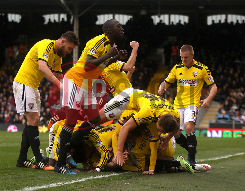 Brentford players celebrate Brentford's Stuart Dallas' goal - Photo mandatory by-line: Robbie Stephenson/JMP - Mobile: 07966 386802 - 03/04/2015 - SPORT - Football - Fulham - Craven Cottage - Fulham v Brentford - Sky Bet Championship