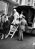 1963-09/04 Army Helps Out During Bus Strike