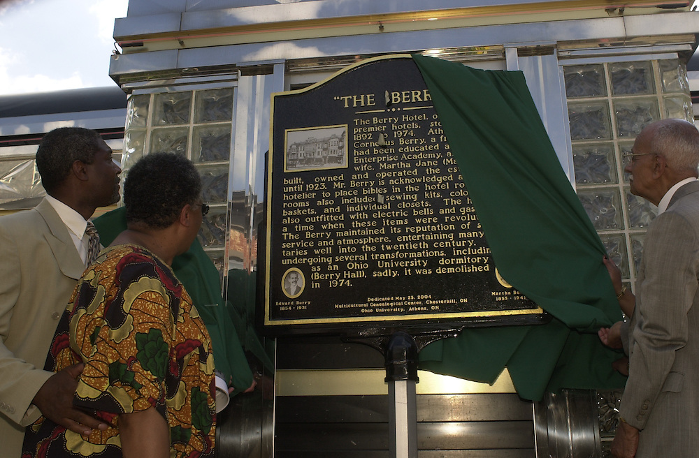 16489Berry Hotel Historical Marker Dedication 5/23: Photos by Glenn Beil