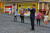 Chine, Macao, touristes dans la vieille ville // China, Macau, tourist on the old city