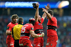 Matt Giteau of Toulon celebrates at the final whistle with team-mate Carl Hayman - Photo mandatory by-line: Patrick Khachfe/JMP - Mobile: 07966 386802 02/05/2015 - SPORT - RUGBY UNION - London - Twickenham Stadium - ASM Clermont Auvergne v RC Toulon - European Rugby Champions Cup Final