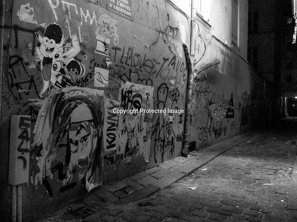 France. Paris. 4th district. graffitis rue vielle du temple, in passage d Argenson