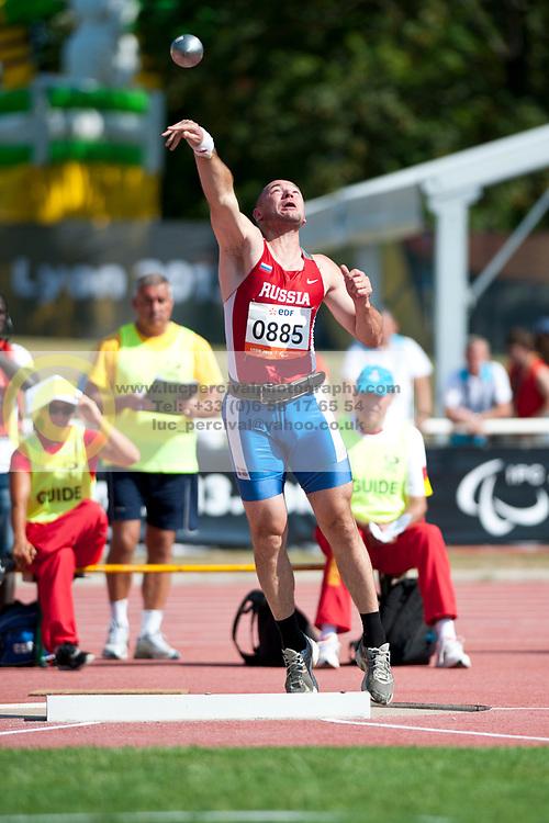 ANDRYUSHCHENKO Vladimir, RUS, Shot Put, F12, 2013 IPC Athletics World Championships, Lyon, France