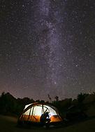 8月18日,在美国洛杉矶以东的约书亚树国家公园,摄影师通过长时间曝光拍摄星空银河。位于美国加州南部的约书亚树国家公园占地3196.1平方公里,以遍布约书亚树得名,公园包括了科罗拉多沙漠和莫哈维沙漠的一部分,是美国西部较好的星空观测点之一。每当新月之时,约书亚树国家公园都会吸引众多旅行者拍摄璀璨的星空和星轨。新华社发 (赵汉荣摄)<br /> The Milky Way is seen above the Joshua Tree National Park in Twentynine Palms, California, the United States, August 18, 2017. (Photo by Ringo Chiu)<br /> <br /> Usage Notes: This content is intended for editorial use only. For other uses, additional clearances may be required.