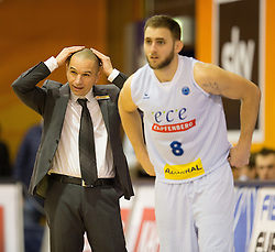 18.11.2015, Walfersamhalle, Kapfenberg, AUT, FIBA Europe Cup, ece Bulls Kapfenberg vs Le Havre, im Bild Head Coach, Michael Schrittwieser (Bulls Kapfenberg), Mirza Ahmetbasic (Bulls Kapfenberg) // during the FIBA Europe Cup, between ece Bulls Kapfenberg and Le Havre at the Sportscenter Walfersam, Kapfenberg, Austria on 2015/11/18, EXPA Pictures © 2015, PhotoCredit: EXPA/ Dominik Angerer