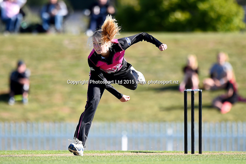 White Ferns player Hanna Rowe during the 2nd Twenty20 cricket match between White Ferns v Sri Lanka. Saxton Oval, Nelson, New Zealand. Friday 20 November 2015. Copyright Photo: Chris Symes / www.photosport.nz
