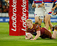 Matty English of Huddersfield Giants scores the try against Wakefield Trinity during the Ladbrokes Challenge Cup match at the John Smiths Stadium, Huddersfield<br /> Picture by Stephen Gaunt/Focus Images Ltd +447904 833202<br /> 11/05/2018