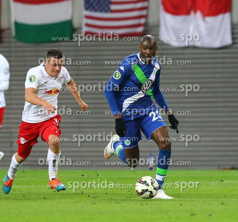 04.03.2015, Red Bull Arena, Leipzig, GER, DFB Pokal, RB Leipzig vs VfL Wolfsburg, Achtelfinale, im Bild Laufduell zwischen Diego Demme (#31, RB Leipzig) und Josuha Guilavogui (#23, VfL Wolfsburg) // SPO during German DFB Pokal last sixteen match between RB Leipzig vs VfL Wolfsburg at the Red Bull Arena in Leipzig, Germany on 2015/03/04. EXPA Pictures &copy; 2015, PhotoCredit: EXPA/ Eibner-Pressefoto/ Hundt<br /> <br /> *****ATTENTION - OUT of GER*****