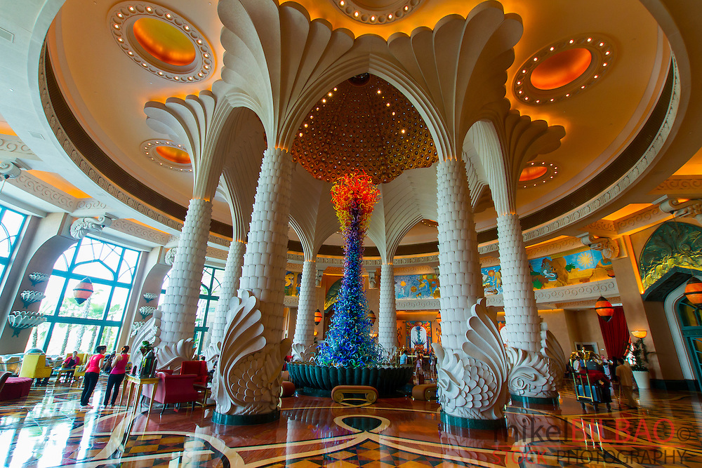 Entrance Hall. Atlantis, The Palm Hotel. Palm Jumeirah. Dubai city.  Dubai. United Arab Emirates.