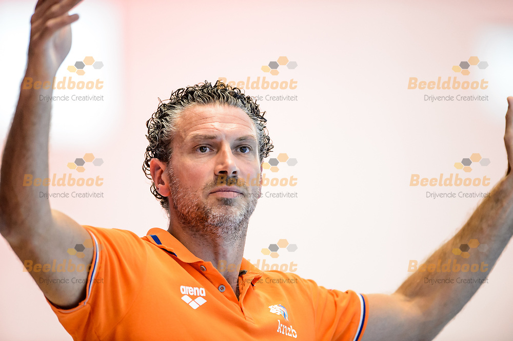 04-07-2018: Waterpolo: Nederland v Hongarije: Rotterdam<br /> <br /> (L-R) Headcoach Arno Havenga of team Netherlands during the waterpolomatch between ladies Netherlands vs Hungary at Zwemcentrum Rotterdam, the Netherlands<br /> <br /> Spido Dutch Waterpolo Trophy 2018<br /> <br /> Foto/Photo: Gertjan Kooij