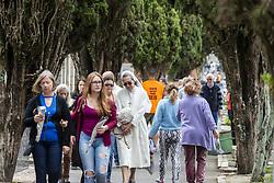 November 2, 2018 - Curitiba, Brazil - CURITIBA, PR - 02.11.2018: DIA DE FINADOS EM CURITIBA - Movement of the day of the deceased (02) in the Municipal Cemetery São Francisco de Paula, in Curitiba. (Credit Image: © Henry Milleo/Fotoarena via ZUMA Press)