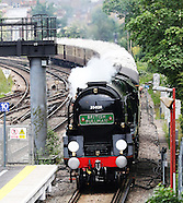 Merchant Navy Class 4-6-2 no 35028 Clan Line Steam Locomotive Pullman