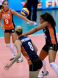 24-09-2014 ITA: World Championship Volleyball Thailand - Nederland, Verona<br /> Celeste Plak.  De pass moet morgen tegen USA perfect zijn.