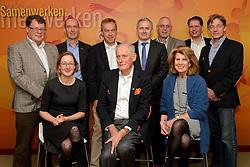 12-12-2015 NED: Bondsvergadering Nevobo, Nieuwegein<br /> Hans Nieukerke is vandaag benoemd tot erevoorzitter van de Nevobo. De 73-jarige Nieukerke ontving in het Huis van de Sport deze eer bij het afscheid van zijn twaalfjarig voorziterschap en kreeg de unieke gouden bondsspeld met drie briljanten opgespeld / Bondsbestuur met Hans Nieukerke en Peter Sprenger