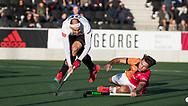 AMSTELVEEN - Justin Reid-Ross (A'dam) met Benjamin Stanzl (Oranje-Rood)   tijdens   de hoofdklasse hockeywedstrijd AMSTERDAM-ORANJE ROOD (4-5). COPYRIGHT KOEN SUYK