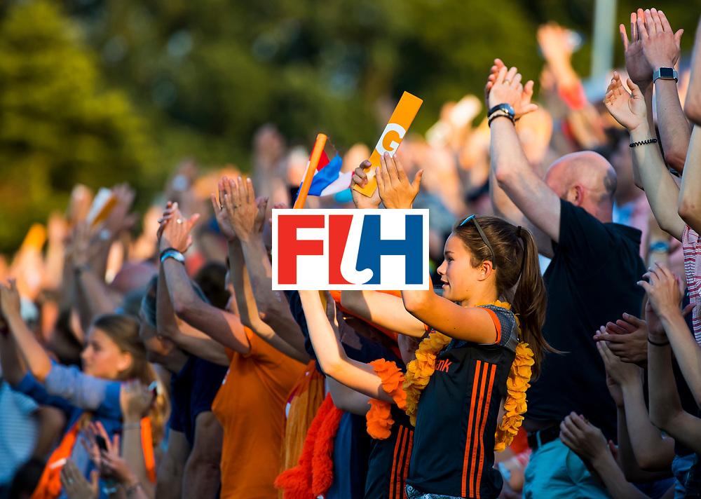 BREDA - Publiek , toeschouwers,   tijdens Nederland- Australie bij  de Hockey Champions Trophy. COPYRIGHT KOEN SUYK