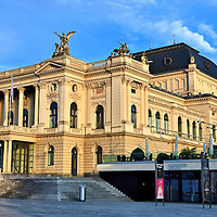 Opernhaus Z&uuml;rich Building in Zurich, Switzerland<br />