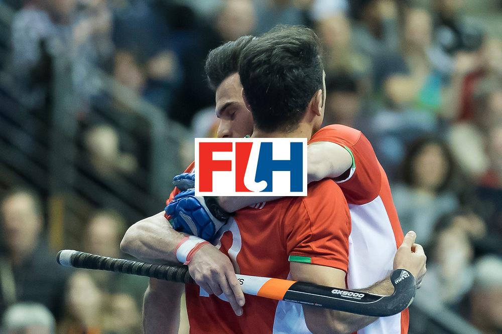 Hockey, Seizoen 2017-2018, 09-02-2018, Berlijn,  Max-Schmelling Halle, WK Zaalhockey 2018 MEN, Iran - Czech Republic 2-2 Iran Wins after shoutouts, Reza Norouzzadeh scores. Celebrate with Mohammad Asnaashari.