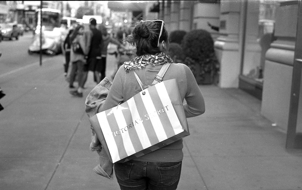 Woman taken a nice gift home for her lover. www.andersonsmithphotography.net