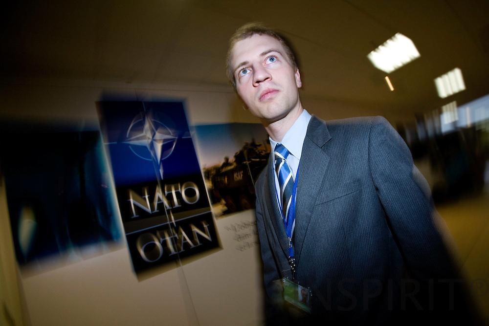 BRUSSELS - BELGIUM - 26 MARCH 2009 -- Søren Høgsbro Larsen, praktikant ved den Danske NATO-repræsentation i NATO hovedkvarteret.  Photo: Erik Luntang