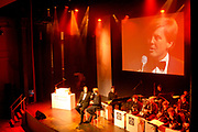 Uitreiking Koning Willem 1 Prijs in theater Diligentia in den Haag.<br /> <br /> Presentation of the King Willem 1 award for best inovating company in the Hague.<br /> <br /> Op de foto/ On the photo <br /> <br /> Ivo Niehe en Willewm Alexander