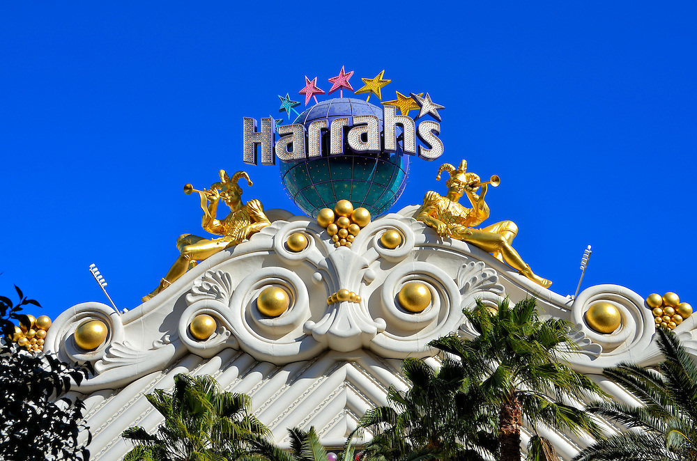 Harrah&rsquo;s Two Gilded Jester Sculptures on Marquee in Las Vegas, Nevada<br />