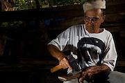 Belo Horizonte_MG, Brasil...O aposentado decidiu doar o corpo para a Universidade Federal de Minas Gerais depois que morrer. Ele quer que o corpo seja estudado pelos alunos do curso de medicina. Foi por causa da insistencia dele que a universidade abriu um setor especifico para cadastro de pessoas interessadas em doar o corpo para estudo apos a morte. ..The pensioner has decided to donate his body to the Federal University of Minas Gerais after He die. He wants the body to be studied by students of medicine. It was because of his insistence that the university has opened registration for a specific sector of people interested in donating his body for study after death...Foto: BRUNO MAGALHAES / NITRO