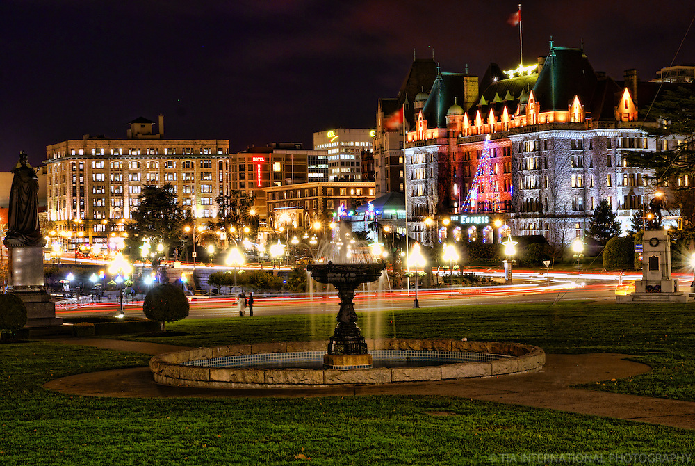 Empress Hotel & Downtown Victoria