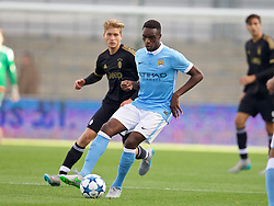 MANCHESTER, ENGLAND - Tuesday, September 15, 2015: Manchester City's Rodney Kongolo in action against Juventus during the UEFA Youth League Group D match at the City of Manchester Stadium. (Pic by David Rawcliffe/Propaganda)