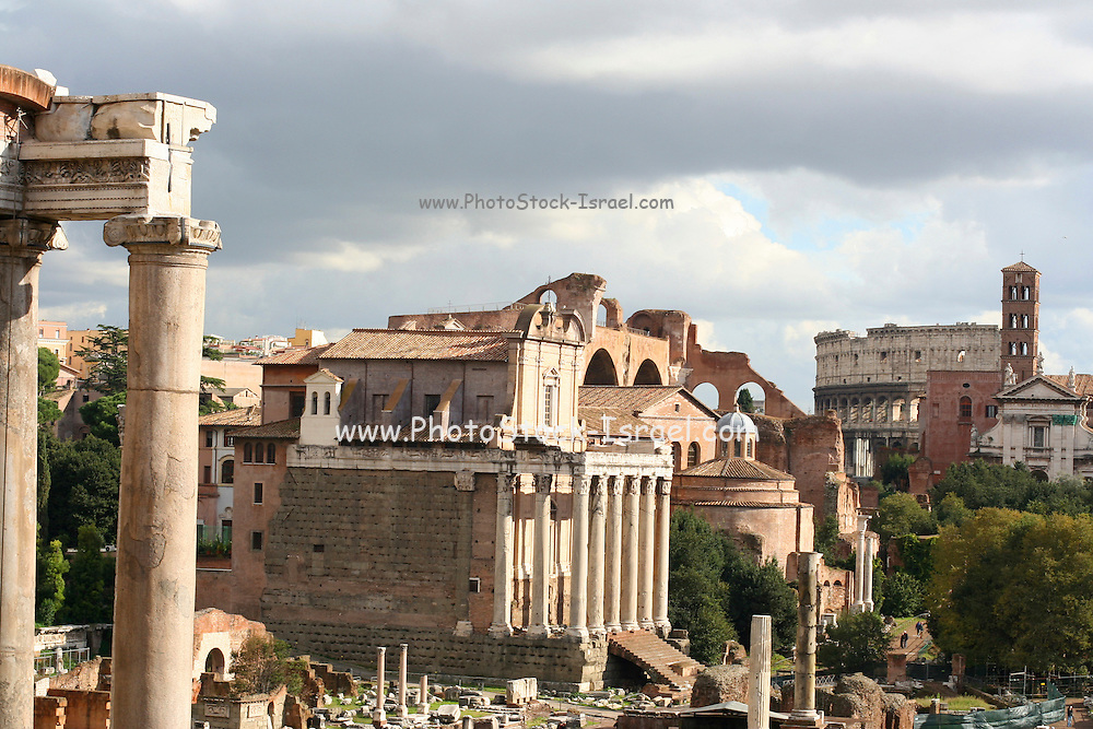Italy, Rome, ruins of ancient Rome, columns of Temple of Saturn
