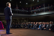 Koning Willem Alexander is aanwezig bij de NOS conferentie 'Journalistiek On Demand' in TivoliVredenburg te Utrecht waar onder andere gesproken wordt  over het belang van het NOS Journaal <br /> <br /> King Willem Alexander attends the NIS conference 'Journalism On Demand in TivoliVredenburg Utrecht where among other things it talks about the importance of the NOS News<br /> <br /> Op de foto / On the photo:  Presentator van het NOS-achtuurjournaal Rob Trip met op de eerste rij o.a. Koning Willem Alexander / Presenter of the TV network evening news Rob Trip with the first row including King William Alexander