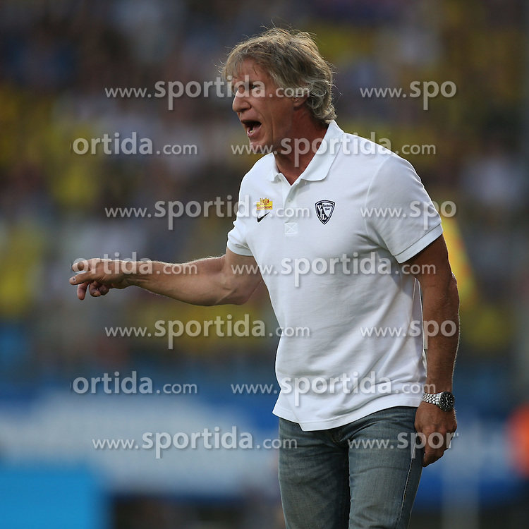 17.07.2015, RewiePower Stadion, Bochum, GER, Testspiel, VfL Bochum vs Borussia Dortmund, im Bild Trainer Gertjan Verbeek (VfL Bochum) // during the Interntational Friendly Football Match between VfL Bochum and Borussia Dortmund at the RewiePower Stadion in Bochum, Germany on 2015/07/17. EXPA Pictures &copy; 2015, PhotoCredit: EXPA/ Eibner-Pressefoto/ Schueler<br /> <br /> *****ATTENTION - OUT of GER*****