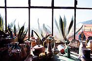 Vietri sul Mare, Italia - Le ceramiche Solimene (edificio realizzato da architetto Paolo Soleri) di Vietri sul Mare sono un'icona dell'artigianto d'eccellenza della costiera amalfitana. Ogni pezzo viene rigorosamente lavorato a mano.<br /> Ph. Roberto Salomone