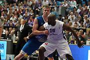 DESCRIZIONE : Gottingen Fiba Europe EuroChallenge Men Final Four 2010<br /> Semifinal BC Gottingen Roanne Basket<br /> GIOCATORE : Michael Meeks<br /> SQUADRA : BC Gottingen<br /> EVENTO : Fiba Europe EuroChallenge Final Four 2010<br /> GARA : BC Gottingen Roanne Basket<br /> DATA : 30/04/2010<br /> CATEGORIA : difesa rimbalzo<br /> SPORT : Pallacanestro <br /> AUTORE : Agenzia Ciamillo-Castoria/ElioCastoria<br /> Galleria : Fiba Europe EuroChallenge Final Four 2010<br /> Fotonotizia : Gottingen Fiba Europe EuroChallenge Men Final Four 2010<br /> Semifinal BC Gottingen Roanne Basket<br /> Predefinita :