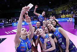 04-03-2017 ITA: Semifinal Coppa Italia Imoco Volley Conegliano - Igor Gorgonzola Novara, Firenze<br /> Selfie Conegliano<br /> <br /> ***NETHERLANDS ONLY***