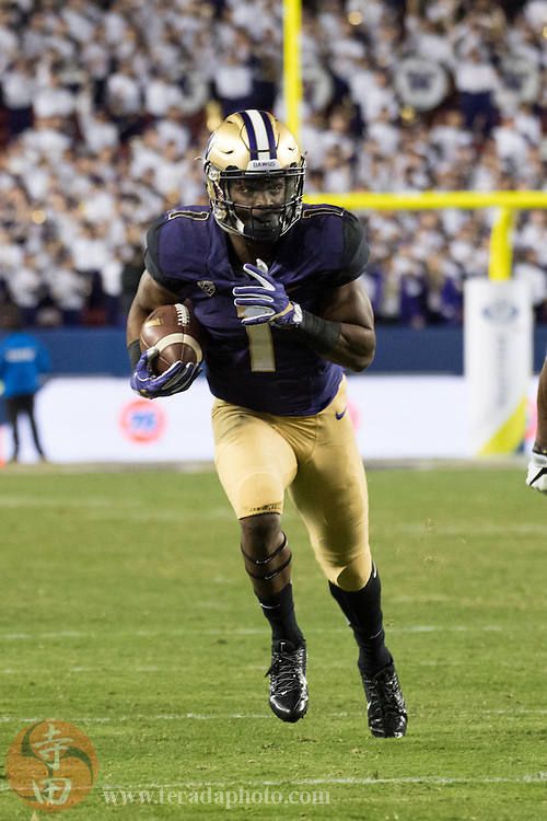December 2, 2016; Santa Clara, CA, USA; Washington Huskies wide receiver John Ross (1) during the third quarter in the Pac-12 championship against the Colorado Buffaloes at Levi's Stadium. The Huskies defeated the Buffaloes 41-10.